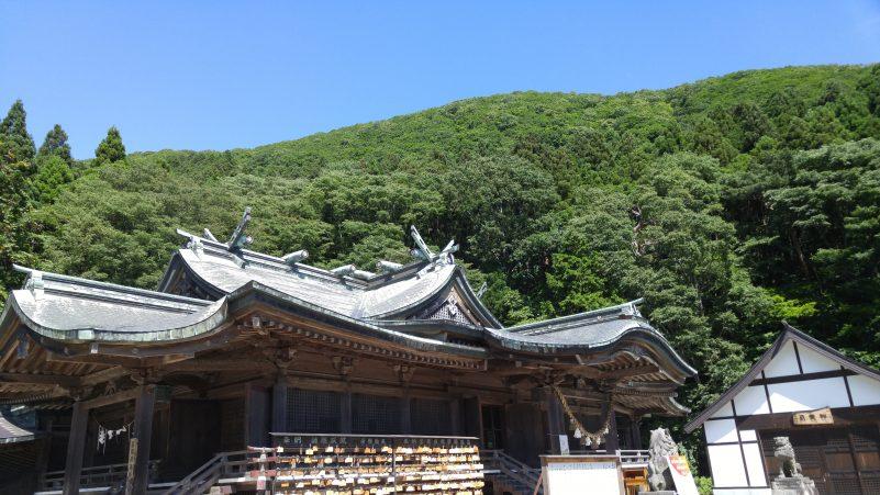 函館八幡宮本殿