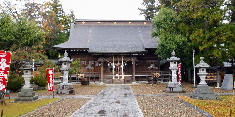 鳥谷崎神社社殿